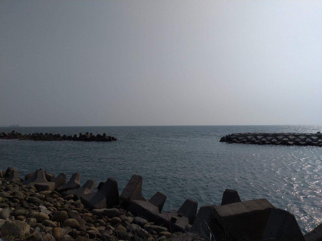 茄萣濱海遊樂區の海